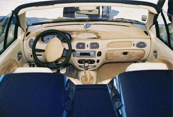 1389  569x569 meganecabrio6 Tuning wnętrza Megane vol.5skurzane wnętrze reno megane kabrio skórzane wnętrze tuning photo interior kokpit w megane cabrio jak zmodyfikować wnętrze jak przerobić deskę megane