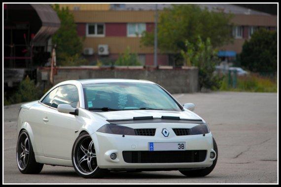 2499  570xfloat= mg4338  Biała Megane Coupe Cabriotuning megane cc reno cc
