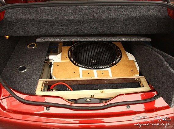 2543  570xfloat= 2 Car Audio zabudowa bagażnikazabudowa car audio w megane cabrio zabudowa bagażnika cabrio wzmacniacze megane cabrio subwoofer cabrio jak poprawić audio w cabrio głośniki megane cabrio audio megane