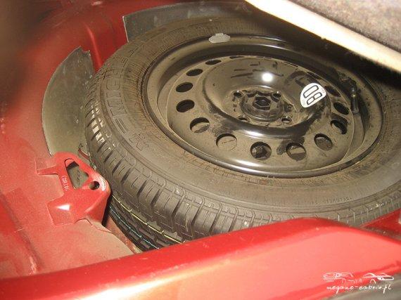 2547  570xfloat= 5 Car Audio zabudowa bagażnikazabudowa car audio w megane cabrio zabudowa bagażnika cabrio wzmacniacze megane cabrio subwoofer cabrio jak poprawić audio w cabrio głośniki megane cabrio audio megane