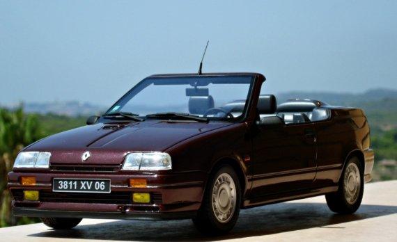 2797  570xfloat= r19c1 Model Renautl 19 16s cabrior19 16v miniaturka r19 cabrio mały model cabrio renault car model renautl cabrio cabrio 16s