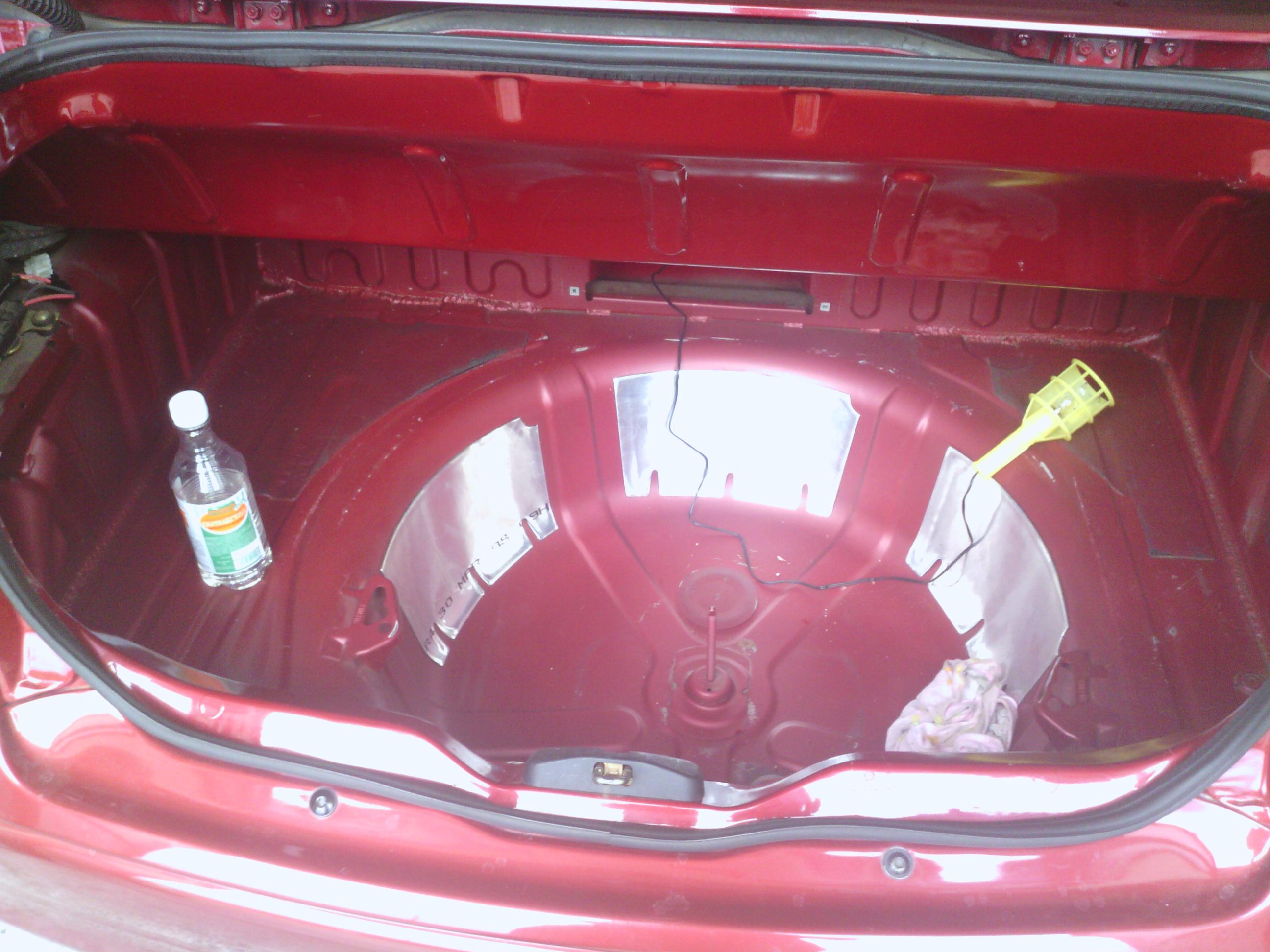 Aktualne Car-Audio zabudowa bagażnika | Renault Megane Cabrio Fans ZM51